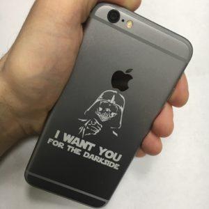 на корпусе IPhone  300x300 - Гравировка Iphone